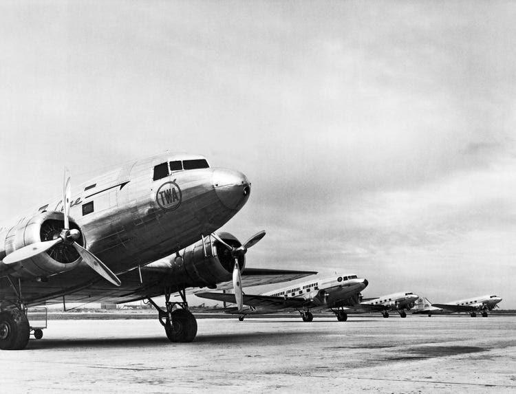 DC 3 flight